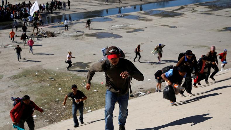 Hunderte Migranten stürmen US-Grenze – Grenzübergang geschlossen