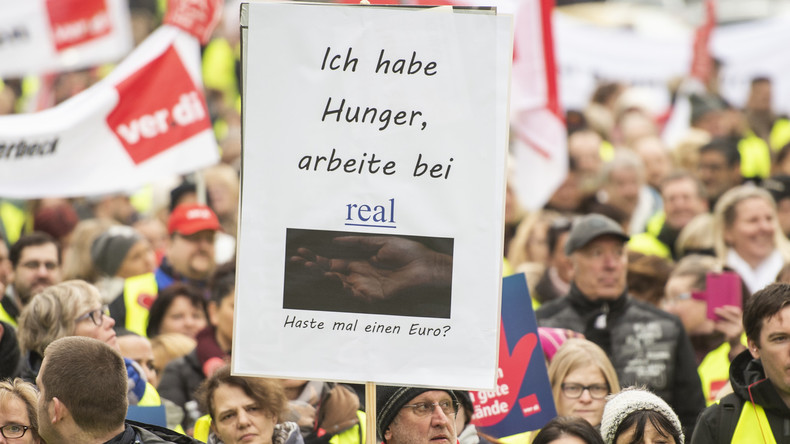 Tarifkonflikt bei Real: Tausende Beschäftigte streiken