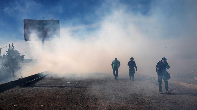 Nach Unruhen an der US-Grenze schiebt Mexiko 98 Migranten ab