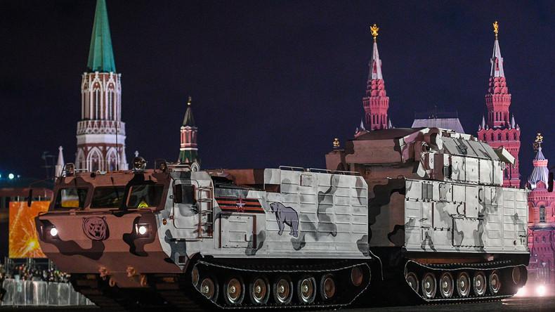 Luftabwehr für die russische Arktis – die ersten drei Tor-M2DT-Batterien in Dienst gestellt (Video)