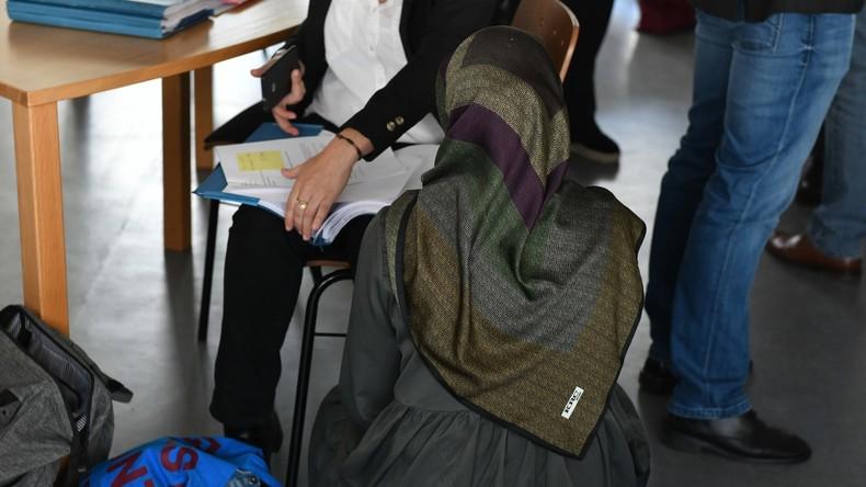 Wegen Kopftuch keine Anstellung als Lehrerin: Land Berlin soll Entschädigung zahlen