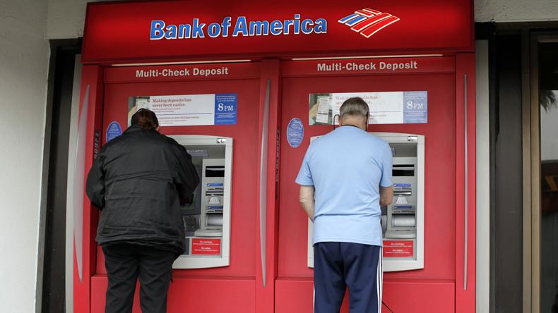 Geldautomat gibt 100- statt 20-Dollar-Scheine aus: Bank erlaubt Kunden, Geld zu behalten