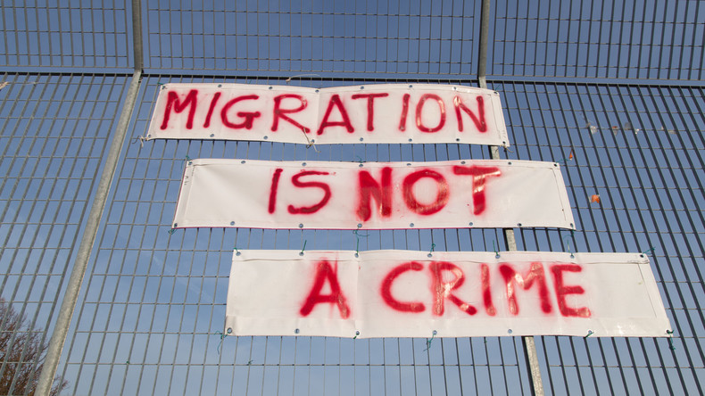 Italiens Regierung stellt sich gegen umstrittenen Vertrag — UN-Migrationspakt