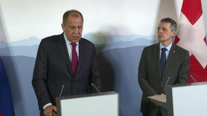 Lawrow: Washington toleriert nicht nur Kiews Aktionen, sondern provoziert sie