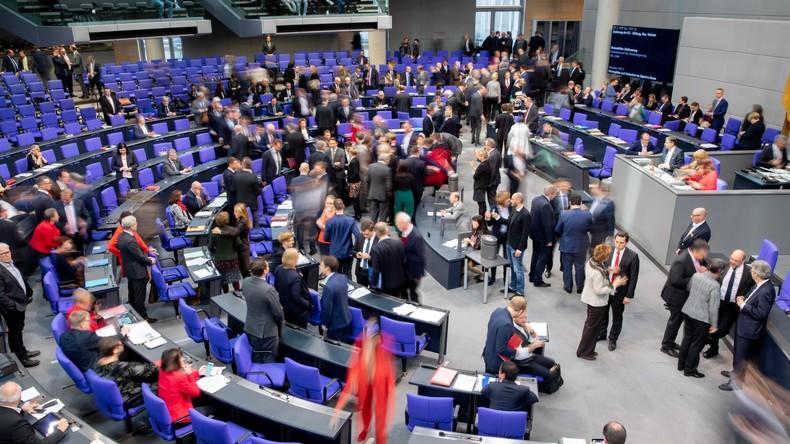 Mitfinanzierung der Schulen und Milliarden in Wohnungsbau: Bundestag beschließt Grundgesetzänderung