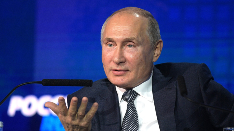 Putin: Russland muss sich für freien Im- und Export vom Dollar entfernen