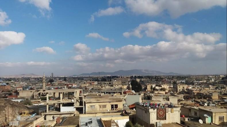 """Medienberichte: Syrische Luftverteidigung trifft mehrere """"feindliche Ziele"""" in Südsyrien"""