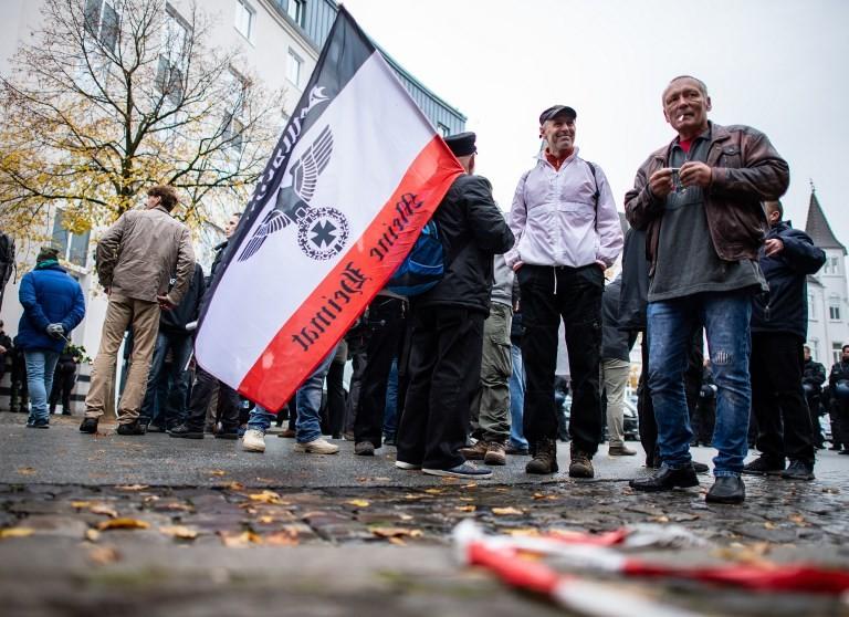 Ausnahmezustand in Bielefeld: Demonstrationen für und gegen Freilassung von Holocaust-Leugnerin