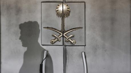 Finstere Schatten liegen nicht erst seit dem Fall Khashoggi über Saudi-Arabien und dessen mörderischen Aktivitäten – und sie liegen nicht nur über Saudi-Arabien, sondern über dem