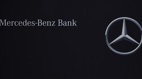 Verbraucherschützer reichen Musterfeststellungsklage gegen Mercedes-Benz-Bank ein.