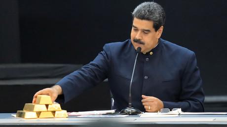 Venezuelas Präsident Nicolás Maduro während eines Treffens mit den für den Wirtschaftssektor zuständigen Ministern im Miraflores Palace in Caracas, Venezuela, am 22. März 2018.