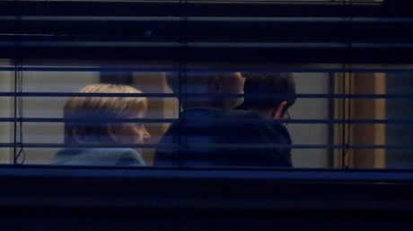 (Symbolbild). Bundeskanzlerin Angela Merkel, Annegret Kramp-Karrenbauer, Generalsekretärin der CDU und andere CDU-Politiker während einer CDU-Vorstandsversammlung in Berlin am 4. November 2018.