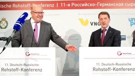 Peter Altmaier, Bundesminister für Wirtschaft und Energie, und Alexej Gordejew, stellv. Ministerpräsident der Russischen Föderation geben ihre Pressestatements am 7. November auf der 11. Deutsch-Russischen Rohstoff-Konferenz ab.