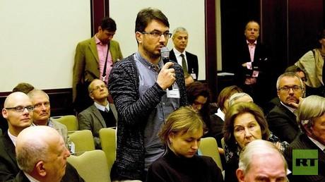RT Deutsch Redakteur Wladislaw Sankin auf der Konferenz der Friedrich-Naumann-Stiftung