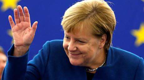 Bundeskanzlerin Angela Merkel kurz vor ihrer Rede vor dem Europäischen Parlament in Straßburg.