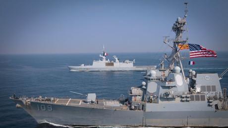 Lenkwaffen-Zerstörer USS Jason Dunham (DDG 109) im Persischen Golf