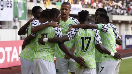 Nigerianischer Gouverneur bietet Fußballern Geld für erzielte Tore im Spiel gegen Südafrika an