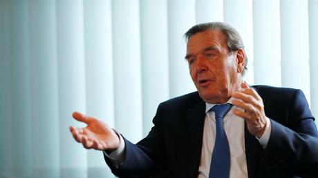 Altkanzler Gerhard Schröder im Interview mit Reuters.