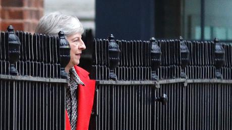 Die britische Premierministerin Theresa May verlässt 10 Downing Street über den Hinterausgang in London, Großbritannien, 16. November 2018.