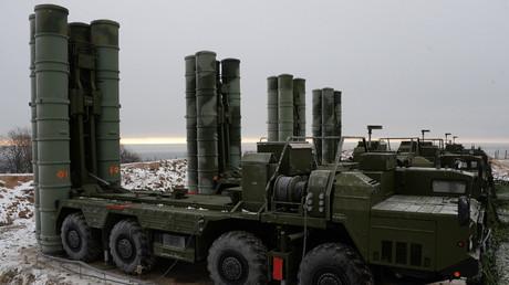 In Kampfaufstellung: S-400 Triumph Luftabwehrraketensysteme.