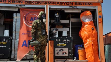 Türkische Spezialisten errichten eine Anti-Chemiewaffenanlage an der Grenze zu Syrien (10. September 2013).