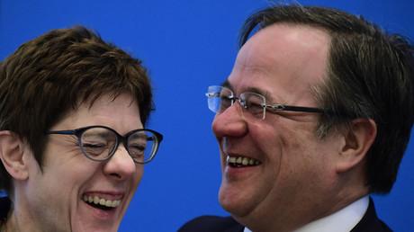 Steigt die Stimmung? Kramp-Karrenbauer mit Parteivize Armin Laschet bei der CDU-Vorstandssitzung am Montag