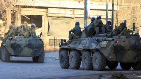 Russisches Militär patrouilliert im befreiten Ost-Aleppo, das jahrelang unter der Herrschaft islamistischer Terrorgruppen stand. (2. Februar 2017)