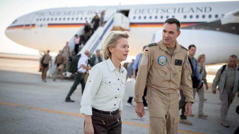 Nach Airbus-Panne mit Kanzlerin Merkel: Von der Leyen nimmt Flugbereitschaft  in Schutz