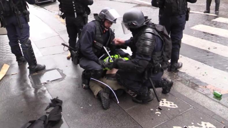 """Frankreich: Über 400 Festnahmen bei Demos der """"Gelben Westen"""" in Paris"""