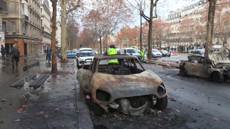 Paris und die Gelbwesten: Nach den Ausschreitungen kommt das große Saubermachen