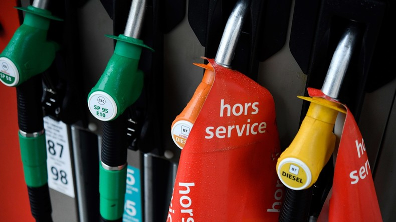 """Leere Zapfsäulen in Frankreich: Ölriese Total beschwert sich über Proteste der """"Gelbwesten"""""""