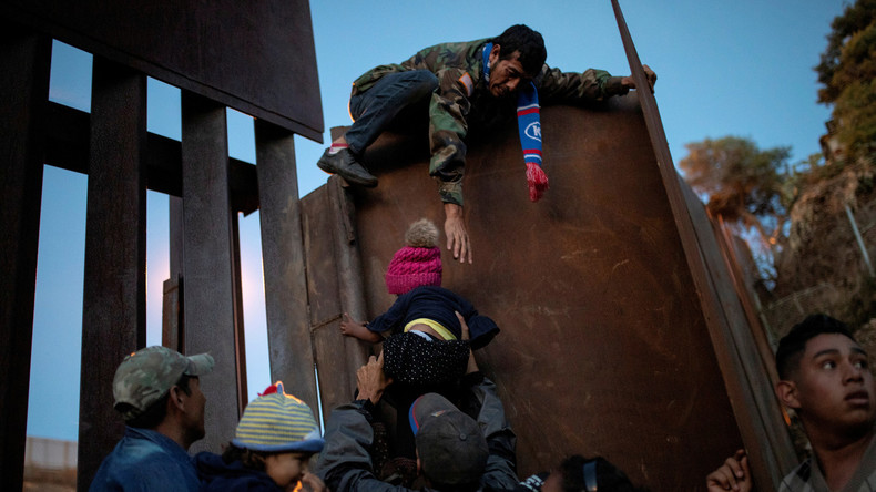Migrantenwelle aus Zentralamerika ist direkte Konsequenz der US-Außenpolitik (Video)