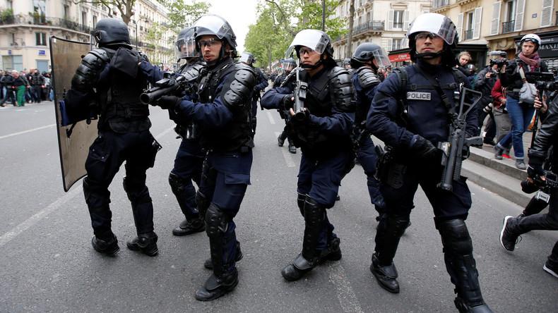 """Vier Tote bei """"Gelbwesten""""-Protesten: 80-Jährige bekommt Tränengasgranate ins Gesicht und stirbt"""