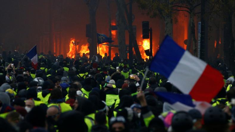 Revolution in der Ukraine? Ja, bitte! Revolution in Frankreich? Nein, danke!