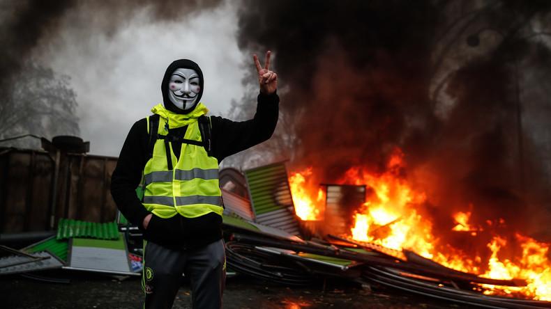 Gelbwesten-Anführer: Wir wollen nicht nur Krümel,  wir wollen das ganze Baguette