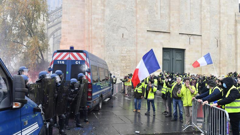 """Französische Polizeigewerkschaft ruft zum unbefristeten Streik auf: """"Derselbe Kampf wie Gelbwesten"""""""