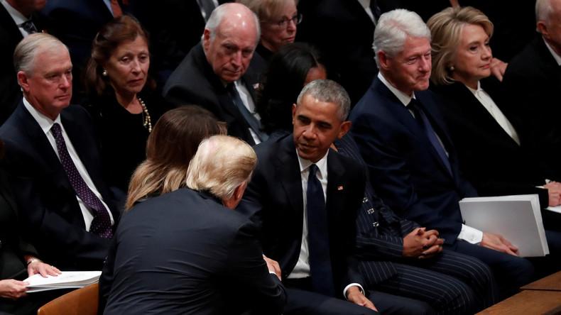 Trauerfeier für Bush: Trump trifft auf Hillary – versteinerte Miene und kein Handschlag