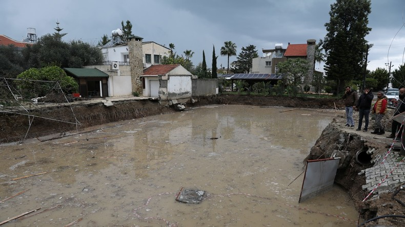 Hagel und Überschwemmungen auf Urlaubsinsel Zypern