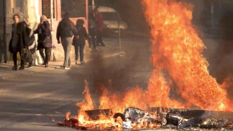 Griechenland: 10 Jahre nach Mord an Grigoropoulos - Autonome bescheren Polizei Straßenschlachten