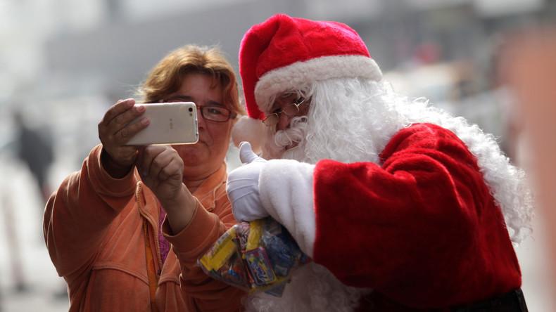 US-Polizei nimmt Weihnachtsmann-Leugner vor Kirche in Texas fest