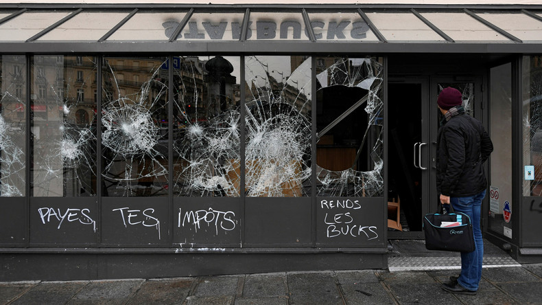 """Pariser Rathaus vermeldet gravierende Schäden durch """"Gelbwesten""""-Demo"""