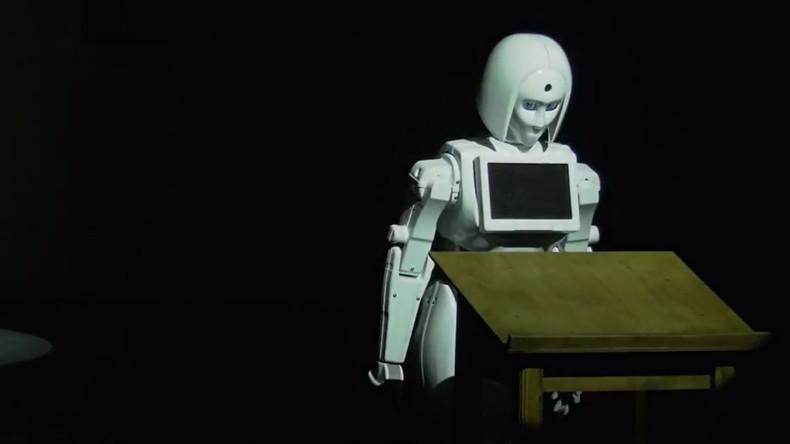 Roboter aus Russland tritt in Theaterstück als Jeanne d'Arc auf