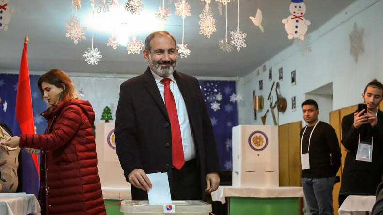 """Parlamentswahl in Armenien: Paschinjans Allianz """"Mein Schritt"""" bekommt 70 Prozent der Stimmen"""