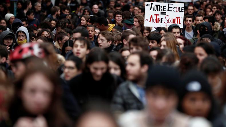 Schülerproteste in Frankreich halten an - Schulen blockiert