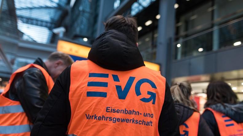 Nach Warnstreik: Bahn und Gewerkschaft verhandeln wieder