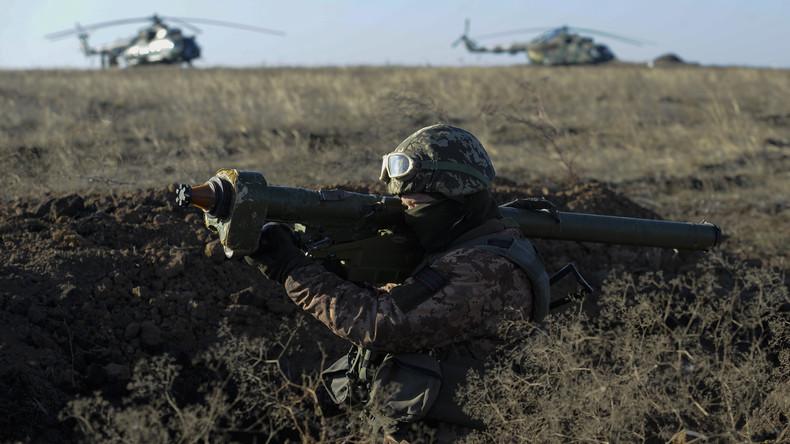 Vor blutiger Eskalation im Donbass? US-Ausbilder trainieren ukrainische Rechtsextreme an der Front