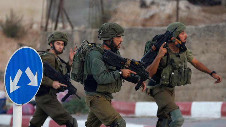 """""""Gewalt, Einschüchterung und Tränengas"""": Israels Armee stürmt palästinensische Nachrichtenagentur"""