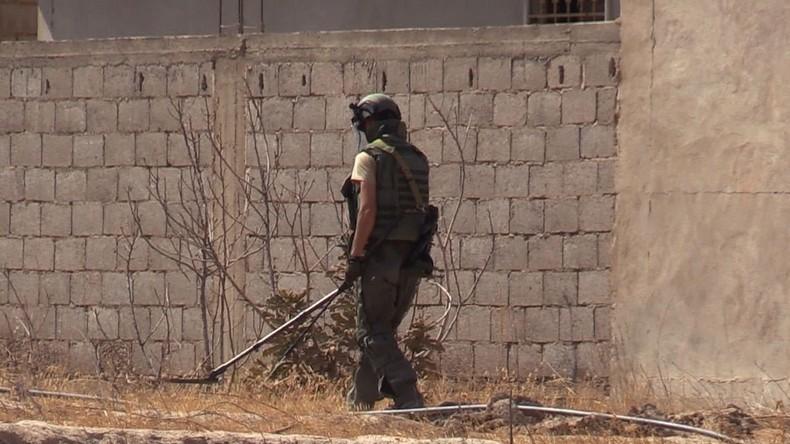Syrische Pioniere räumen etwa die Hälfte der von Terroristen gelegten Minen in Ostghuta