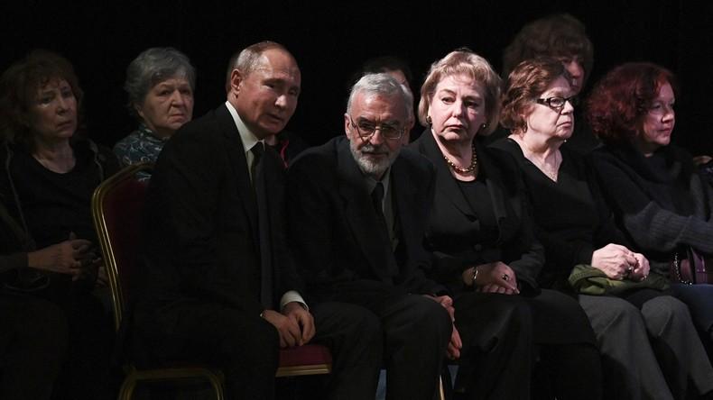 Wo Präsident und Opposition zusammen trauern: Abschied von Russlands berühmtester Menschenrechtlerin