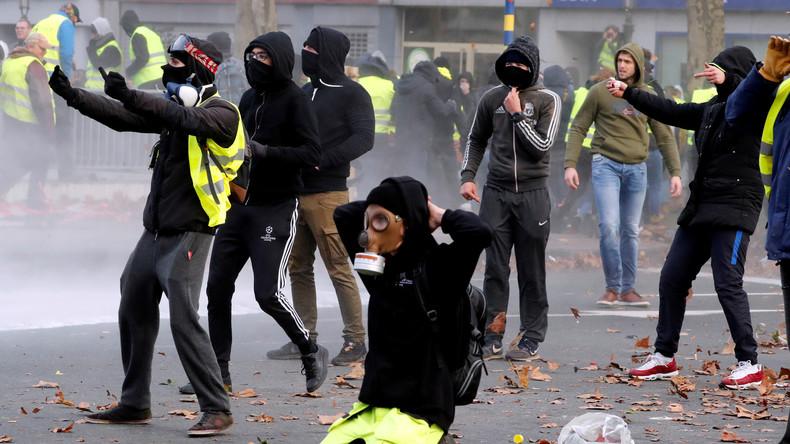 """""""Wir müssen uns schützen dürfen!"""" - Französische Polizei nimmt Fotografin Schutzausrüstung weg"""